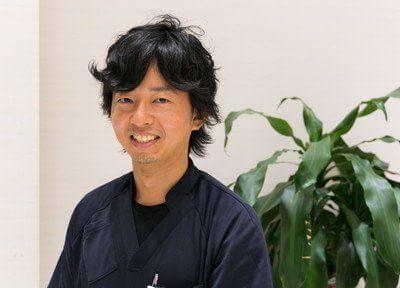 歯科医師の中島です。患者様に合った最善の治療を行います。