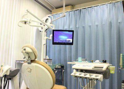 診療ユニットです。説明にモニターを使用することもあります。