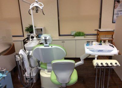 清潔な診療チェアで治療を受けられます。