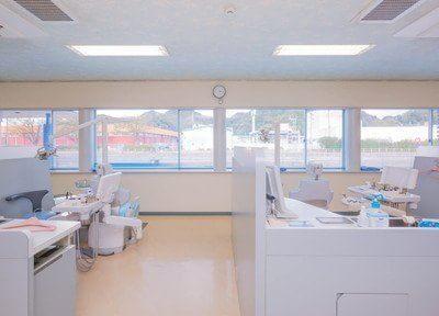 広く開放感のある診療室なので患者様にはストレスを与えません。