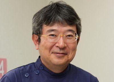 院長の清本先生です。丁寧で精密な治療を行います。