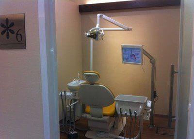 個室の診療室です。何でもご相談ください。
