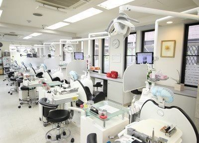 診療室です。歯医者に対して恐怖心をお持ちの方もお気軽にご相談下さい。