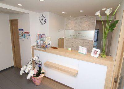 受付や待合室は明るく整った空間です。