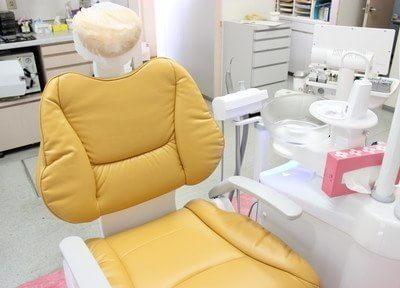診療チェアです。ふかふかのチェアで座り心地も抜群です。
