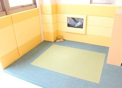 キッズスペースを完備していますので、お子様連れの親御様でも安心して治療に専念していただけます。