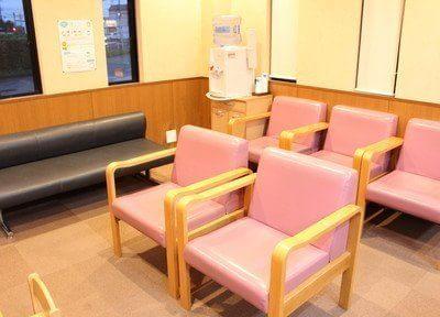 待合室です。リラックスできる空間づくりを心掛けております。