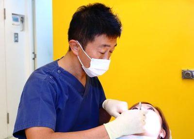 健康な歯をできる限り残すために、ていねいに虫歯を取り除き、なるべく 神経を抜かない治療に取り組んでいます