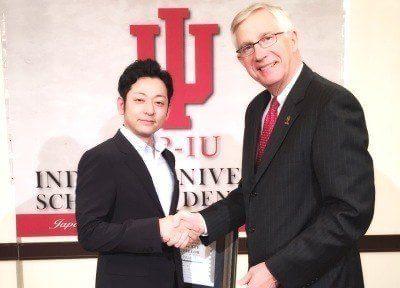 アメリカで学んだ最先端のインプラント治療を行います。院長の松島は国際インプラント学会(ICOI)認定医です。