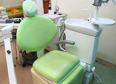 ふかふかな診療チェアで治療を行います。