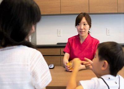 女性歯科医師による矯正治療。