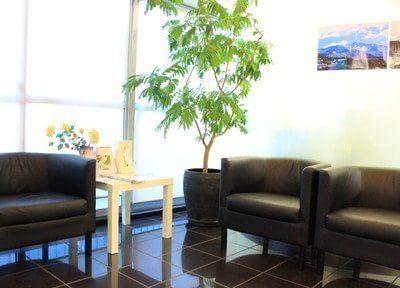 待合室にはテレビや雑誌、ウォーターサーバーをご用意しております。