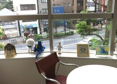 カウンセリングルームからは外の景色を見ることができます。