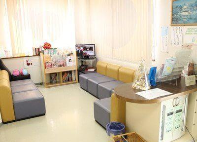 待合室にはTV、雑誌、ウォーターサーバー等をご用意しています。