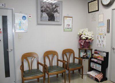 待合室には雑誌などを置いておりますので、お待ちの間ご利用下さい。