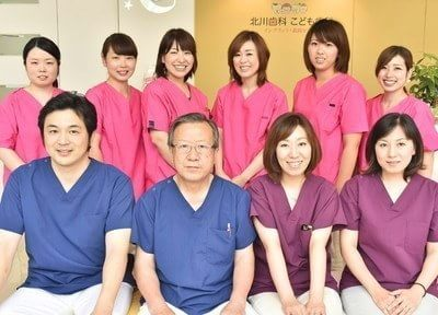 当院のスタッフです。女性医師2名を含む4名のドクターが在籍しています。