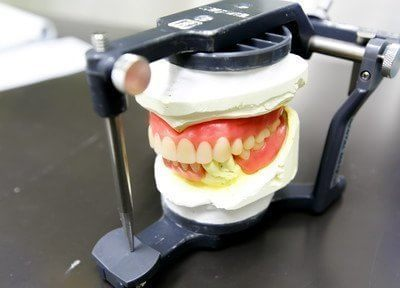 高齢者の味方 入れ歯