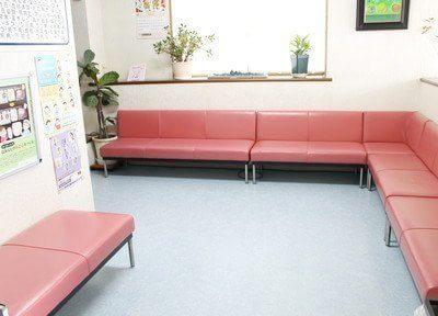 待合スペースです。広々とした空間で、おくつろぎください。
