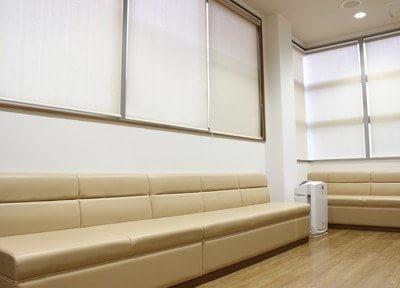 待合室にて診療前後のお時間をゆっくりお待ちください。