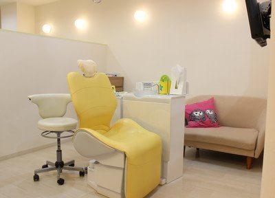 治療中は、同じスペースでソファにてお待ち頂けます。