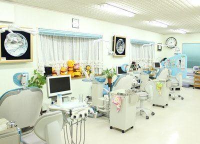 診療室です。明るく、清潔な環境で治療いたします。