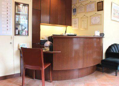 受付です。熊本パール総合歯科クリニック 健軍院のスタッフがお迎えします。