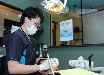 診療風景です。患者様お一人お一人に合った対応を心がけています。