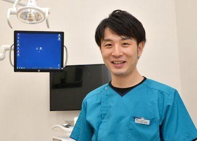 院長の齋藤達磨です。怖くない歯医者を目指しておりますのでお気軽にお越しください。