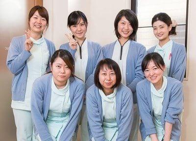 スタッフ一同は常に明るく、笑顔溢れる歯科医院を目指しております。