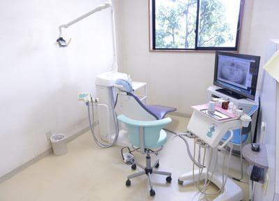 ゆったりしたスペースで診療を受けられます。