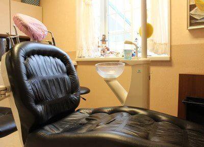 診療室のチェアです。個室の診療室もご用意しております。