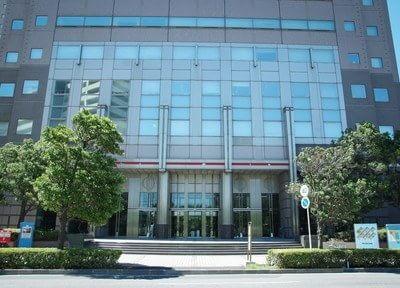 千葉ポートサイドタワー事務棟の5階にポートスクエア歯科クリニックはございます。低層階用エレベーターにて5階までお越しください。