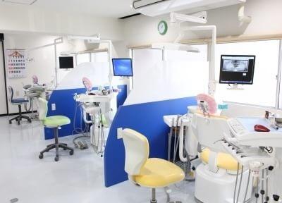 半個室の診療室になります。