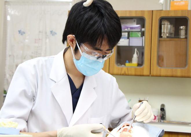 小児期のつらい体験が、歯医者嫌いの大人をつくる