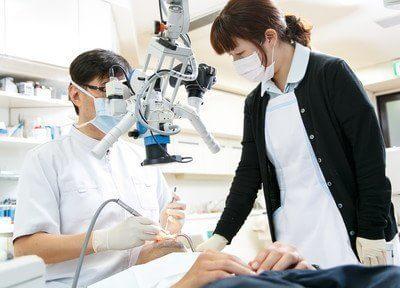 院長が診療中です。患者様一人一人に合った診療をさせていただきます。