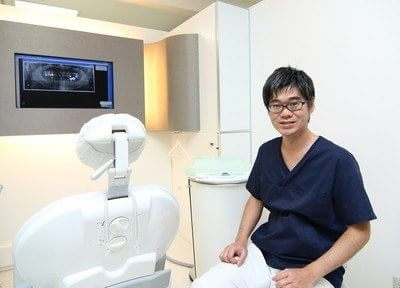 院長の因藤忠宏です。納得して治療を受けていただけるように、治療内容についてわかりやすくご説明致します。