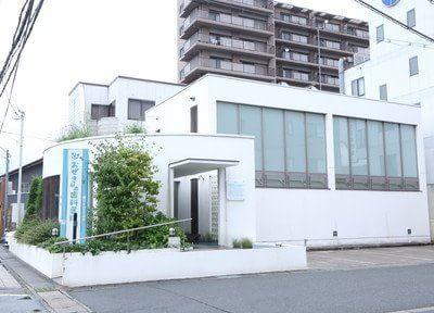 外観です。JR西舞鶴駅より徒歩2分の位置にございます。