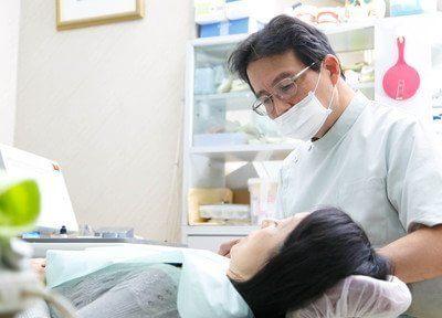 診療風景です。患者様目線の丁寧な治療をしてくれます。