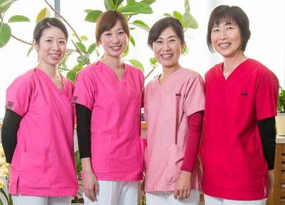 当院のスタッフです。笑顔で皆様のご来院をお待ちしております。