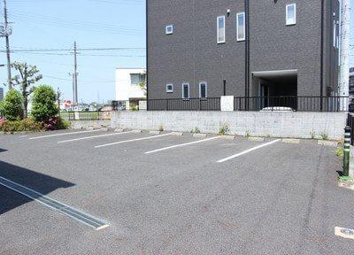 駐車場です。お車でもお越しいただけます。
