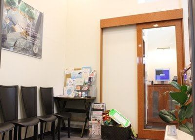 待合室には雑誌等のご用意がありますので、ご覧ください。