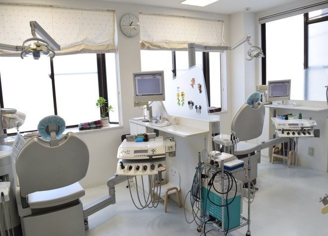 西明石駅近辺の歯科・歯医者「かみさか歯科医院」