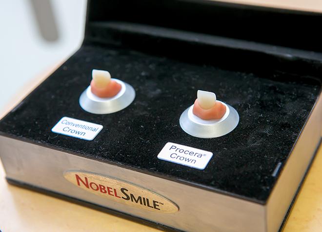 ~セラミック治療~機能性と美しさを兼ね備えた白い歯をおすすめしています。