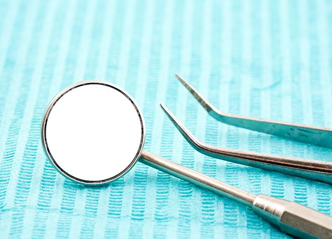 口の中の衛生状態を定期的に検査することをおすすめしています。