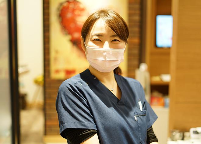 すみれデンタルクリニック 露崎 亜美 歯科医師