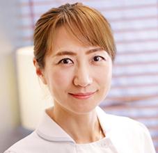 歯科医師 清水 美奈子(Minako Shimizu)