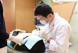 痛みの少ない治療・なるべく削らない治療で患者様の負担を軽減
