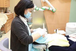 総合的な検査や診断で定期的に歯周病やお子様の虫歯をチェック