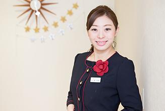 受付スタッフ湊 彩華(Ayaka Minato)