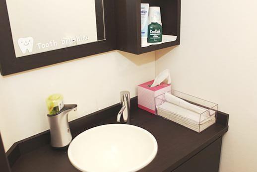 お化粧室も気持ちよく使用していただけるよう、気を配っております。